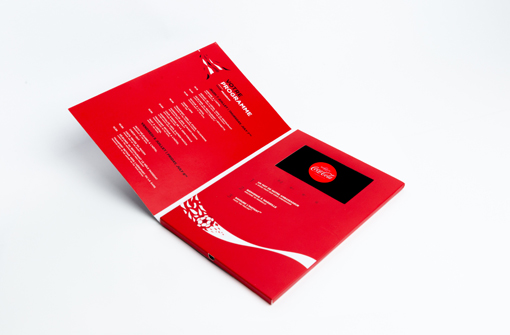 Brochure video format portrait rouge blanc Yanda